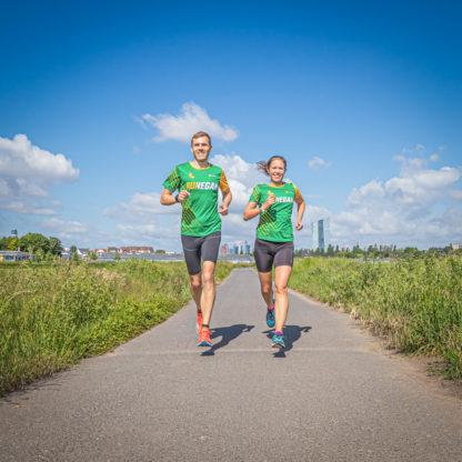 Daniel und Katrin in den RUN VEGAN Laufshirts